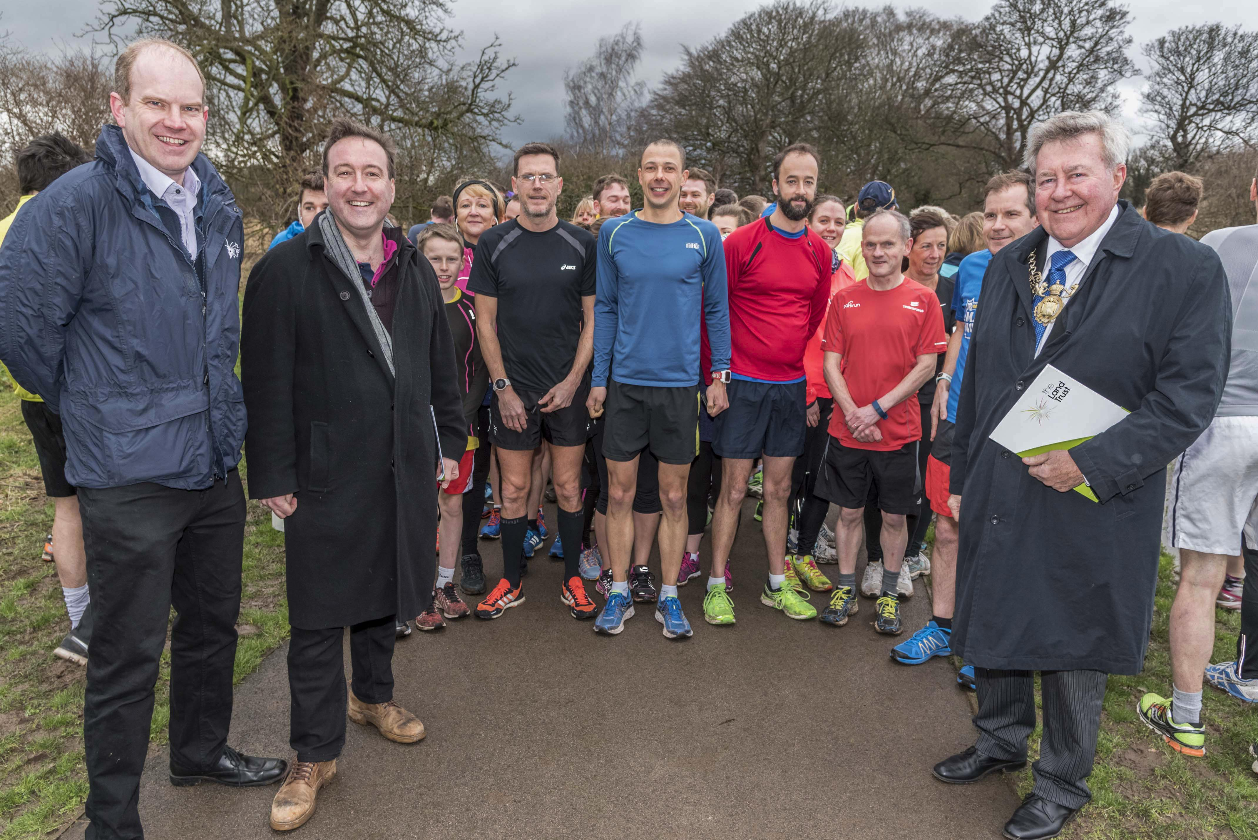 Alan Carter, Chris Matheson MP, parkrunners, Cllr Hogg at Countess of Chester Country Park